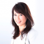 Suncatcher creator / crystal Artist Hiroko Inoue